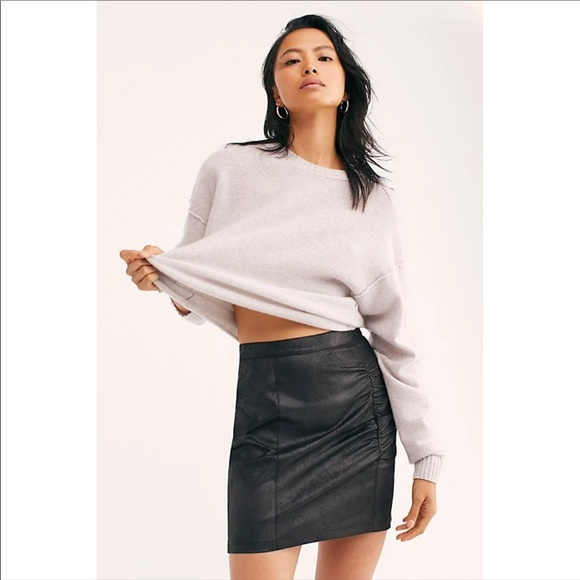 NEW FREE PEOPLE / RUMI FAUX LEATHER RUCHED SKIRT
